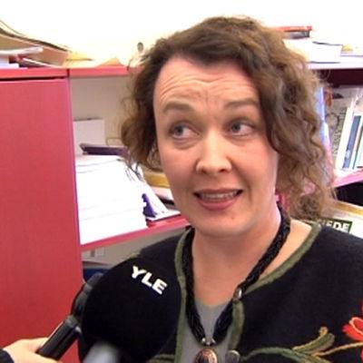 Johanna Korhonen kommentoi Lapin kansan päätoimittajuuden sopimuksen purkamista syksyllä 2008.