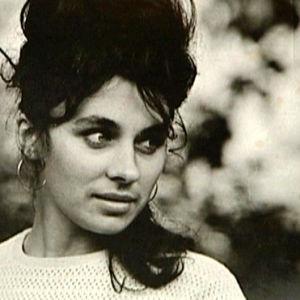 Neuvostoliittolainen nainen mustavalkoisessa kuvassa