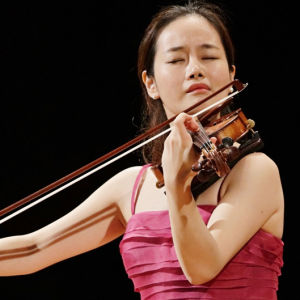 Korealainen Bomsori Kim Sibelius-viulukilpailussa 2015.