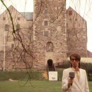 Paul Olin utanför Åbo slott, Yle 1988