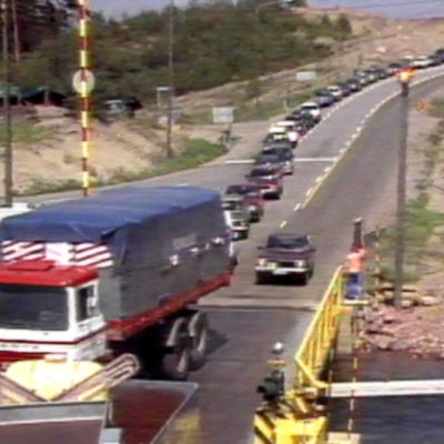 Bilar kör ombord på färja, Yle 1988
