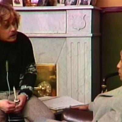 Pentti Rousko och Ben Miloud Boussir ur barnprogrammet Julen, jule, julskål 1974