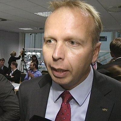 Jari Anttila på presskonferens i september 2011