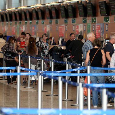 Passagerare köade ombord Havannaplanet i Moskva