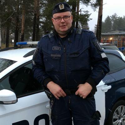 Vuoden poliisi, ylikonstaapeli Toni Reinikainen.
