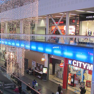 Rajalla kauppakeskus Torniossa Jouluna