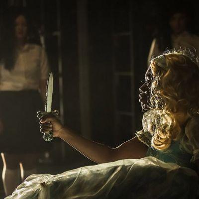 Näyttelijä Diana Tenkorang teoksessa The Grimm Book of Horrors