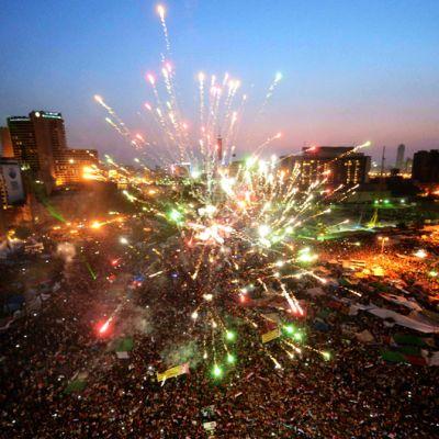 Islamistit juhlivat vaalivoittoa Egyptin Tahrir-aukiolla.