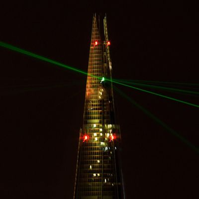 Shard-rakennuksen avajaiset Lontoossa 5. heinäkuuta. Shard on Euroopan korkein pilvenpiirtäjä.