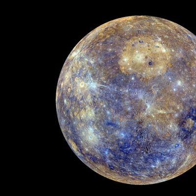 Nasa julkaisi ennennäkemättömän tarkan kuvan Merkurius-planeetasta. Kuva on koostettu tuhansista Messenger-luotaimen ottamista valokuvista.