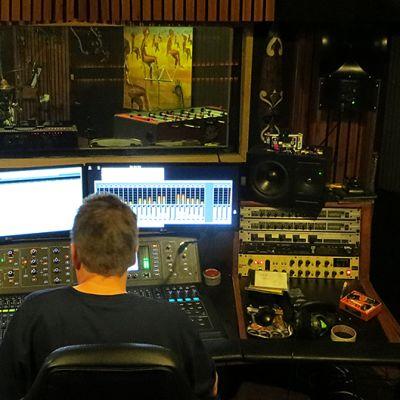 Rumpuäänityksiä Tico Tico-studiolla.