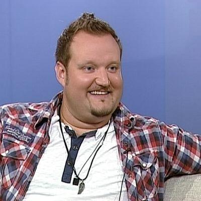 Stand-up-koomikko Sami Hedberg.