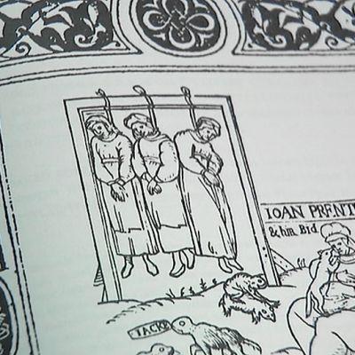 Kuva vastasuomennetusta, alunperin 1400-luvulla kirjoitetusta Noitavasara- eli Malleus Maleficarum -kirjasta.