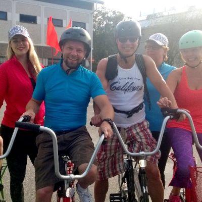 Polkupyöräilijät rivissä