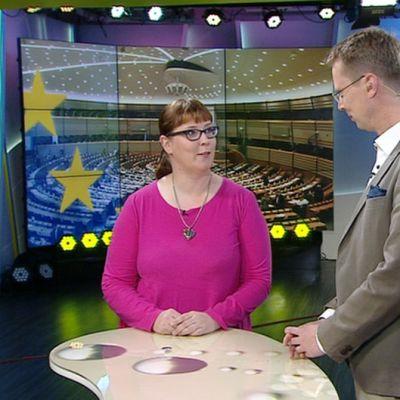 Aamu-tv:n eurovaalitentissä vasemmistoliiton Merja Kyllönen.
