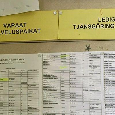 Vapaita siviilipalveluspaikkoja Lapinjärven koulutuskeskuksen ilmoitustaululla.