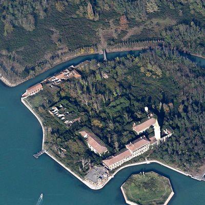 Ilmakuva Poveglian saaresta.