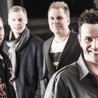Taikakuu-orkesteri eli Janne Raappana (edessä), Miikka Raeniemi, Emil Hällmark ja Samppa Komokallio