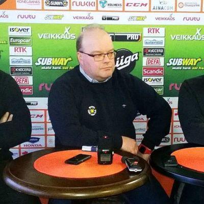 HPK:n valmentajat Vesa Viitakoski, Pasi Arvonen ja Kari Lehtonen