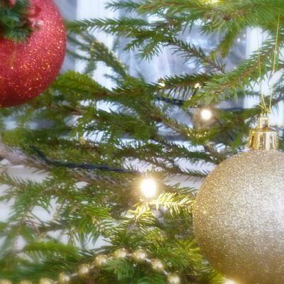 joulukuusi, joulupallot, joulukoriste