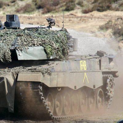 Saksalainen Leopard II -panssarivaunu.
