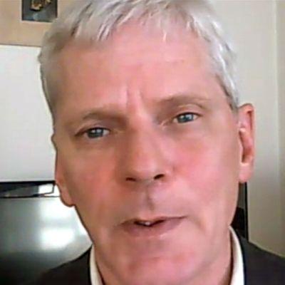 Wikileaksin tiedottaja Kristinn Hrafnsson Yle Uutisten haastattelussa Skype-yhteyden kautta.