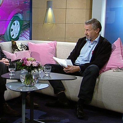 Autokoululiiton puheenjohtaja Jarmo Jokilampi sekä Liikenteen turvallisuusvirasto Trafin tieliikennejohtaja Sami Mynttinen.