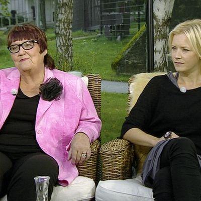 Sosiaalineuvos Merja Salanko-Vuorela ja laulaja Jonna Tervomaa.