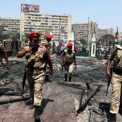 Egyptiläisiä sotilaita vartiossa.