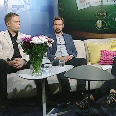 Pokeriammattilainen Juha Helppi ja THL:n erikoissuunnittelija Antti Murto.