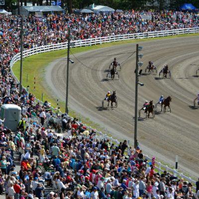 Raveja seurasi viikonloppuna yhteensä yli 52 000 vierasta.