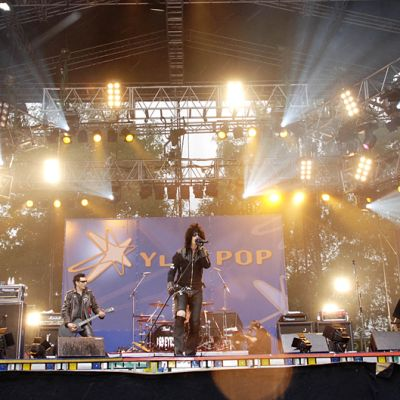 69 Eyes -yhtye lavalla YleX Pop -tapahtumassa vuonna 2005.
