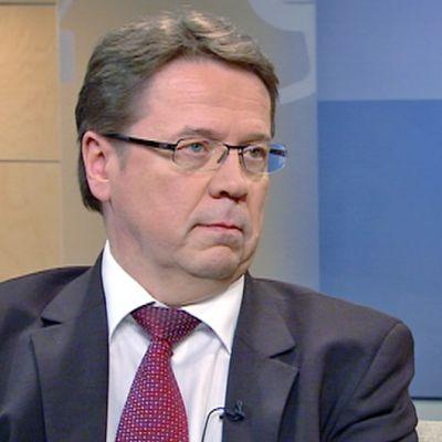 Ulkoministeriön asevalvonnan yksikön päällikkö Markku Virri.