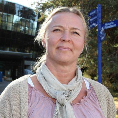 delfiinikouluttaja Sari Järvisalo