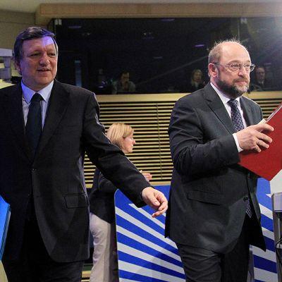 EU-komission puheenjohtaja José Manuel Barroso ja EU-parlamentin puhemies Martin Schulz Brysselissä lehdistötilaisuudessa, jossa esiteltiin unionin budjettiluonnos vuodelle 2013.
