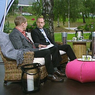 Sisäministeriön poliisiosaston osastopäällikkö Kauko Aaltomaa, perussuomalaisten kansanedustaja Tom Packalén ja kokoomuksen kansanedustaja Markku Mäntymaa.