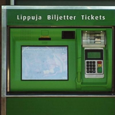 VR:n lippuautomaatti Helsingin rautatieasemalla.
