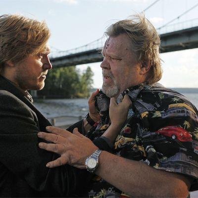 Vesa-Matti Loiri ja Samuli Edelmann Tie pohjoiseen -elokuvassa.