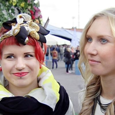 Emilia Aalto (vas.) ja Vilma Nurminen