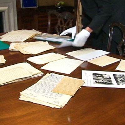 Mahatma Gandhin ystävän jäämistöstä löytyneitä papereita.