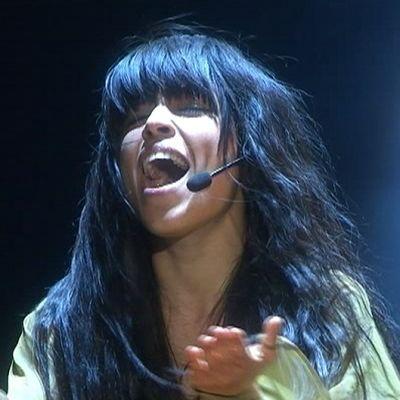 Loreen esiintymässä Melodifestivalenin finaalissa.