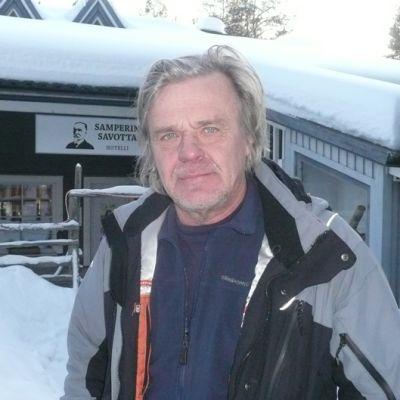 Elokuvaohjaaja Matti Ijäs Savukoskella
