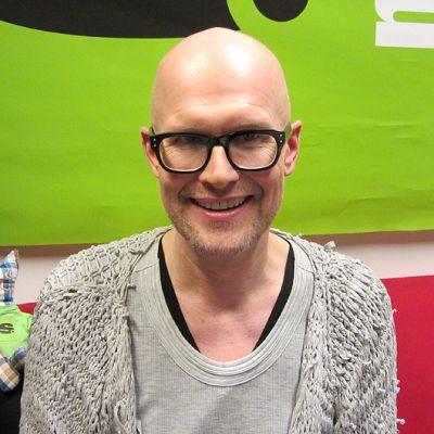 Muotitaiteilija ja muotoilija Janne Renvall