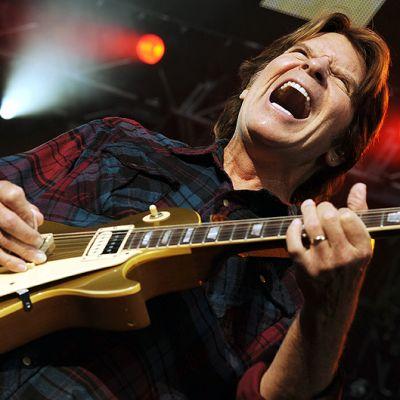 John Fogerty esiintymässä Zürichissa heinäkuussa 2010.