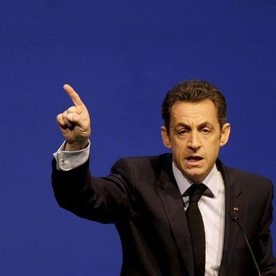 Nicolas Sarkozy puhuu Ranskan maanviljeilijöiden liiton kongressissa.
