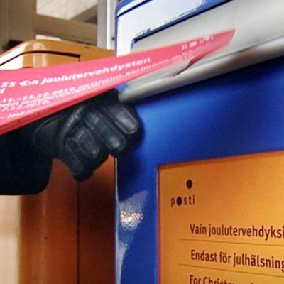 Joulutervehdyksen postituskuori.
