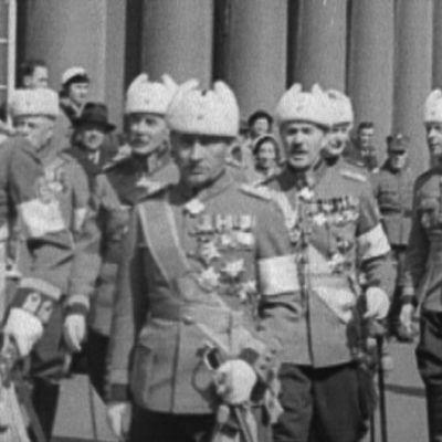 Marsalkka Mannerheim ja muuta kenraalikuntaa