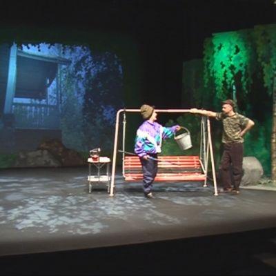 Savonlinnan Teatteri on ryhtynyt myymään mainoksia esityksiinsä.