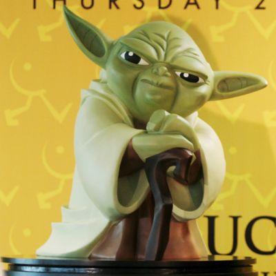 Muovinen Yoda-hahmo.