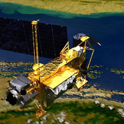 Havainnekuva satelliitista, taustalla maanpintaa.